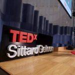 Piepschuimen letters van logo Tedx