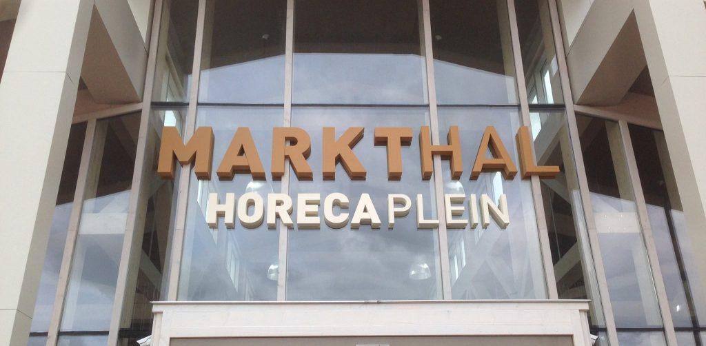 markthallen piepschuim logo op maat