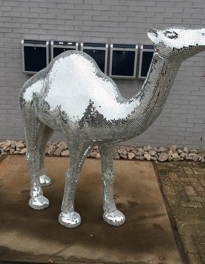 Piepschuim op maat kameel
