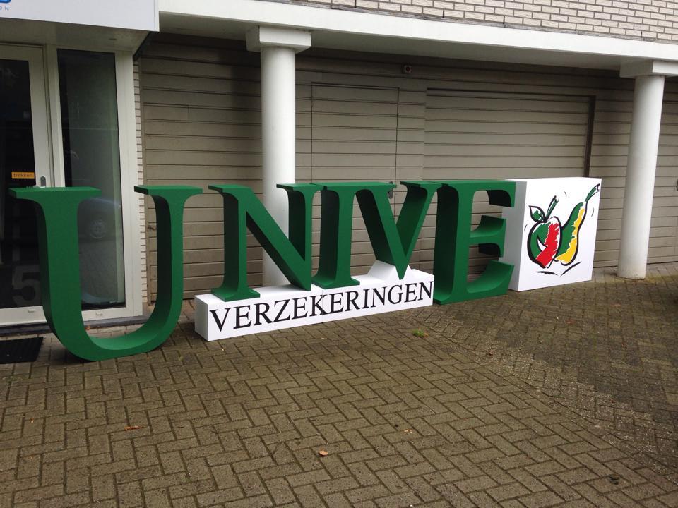 Piepschuim Letters 1 Meter Unive Logo