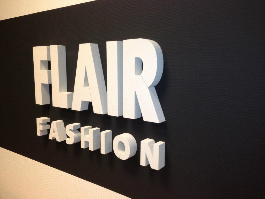 flair fashion logo van piepschuim letters