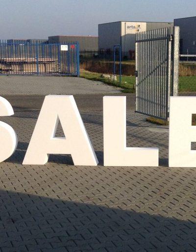Sale letters van piepschuim