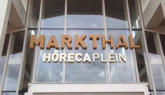 Outdoor logo van piepschuim Markthal